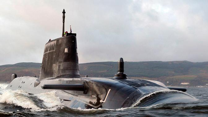 В Британии предложили расширить люки на подлодках для страдающих ожирением военных