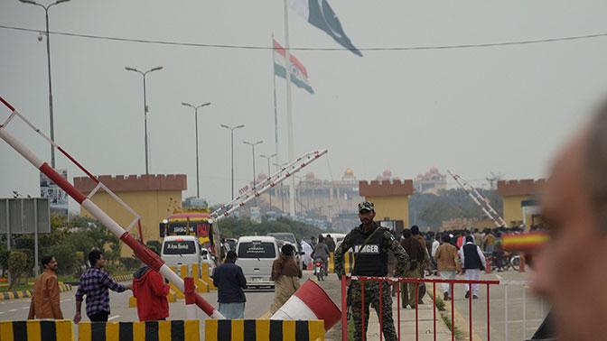Индия и Пакистан обменялись минометными ударами в Кашмире