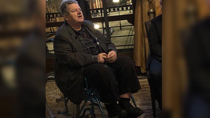 Хагрид из «Гарри Поттера» оказался в инвалидной коляске