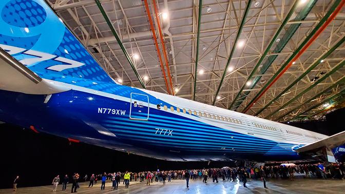 Boeing представил самый длинный в истории пассажирский лайнер