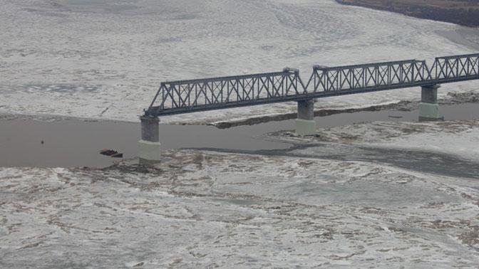 Стало известно, когда соединят две части железнодорожного моста из ЕАО в Китай