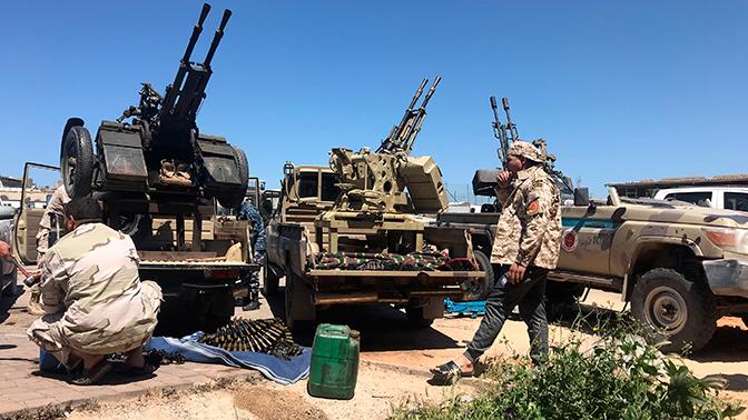 СМИ: Хафтар начал вторую фазу наступления на Триполи
