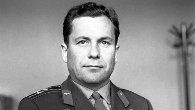 Павел Попович