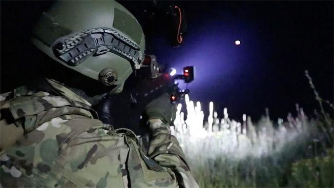 Спецназ вооружают фотонными «Дротиками»