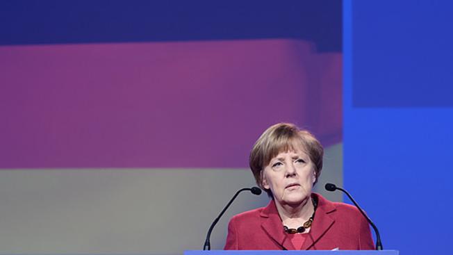 И все-таки Меркель дрогнула...