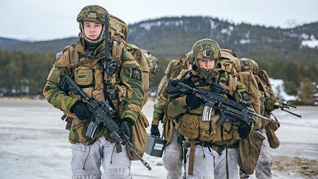 Термобелье и баночное пиво: что еще нужно для счастья супергероям НАТО