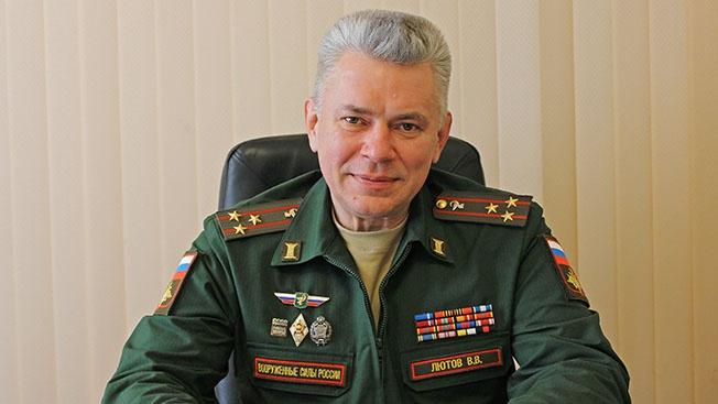 Полковник медицинской службы Владимир Лютов: «Наш медперсонал готов прийти на помощь нуждающимся в любое время и в любом месте»