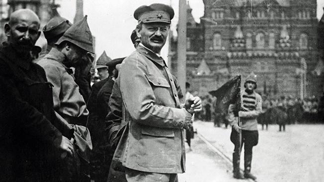 Лев Троцкий - первый «маршал» большевицкой победы