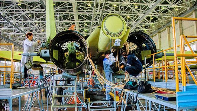 Как собирают Су-57