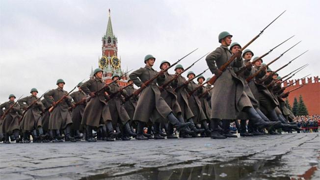 По Красной площади с оркестром