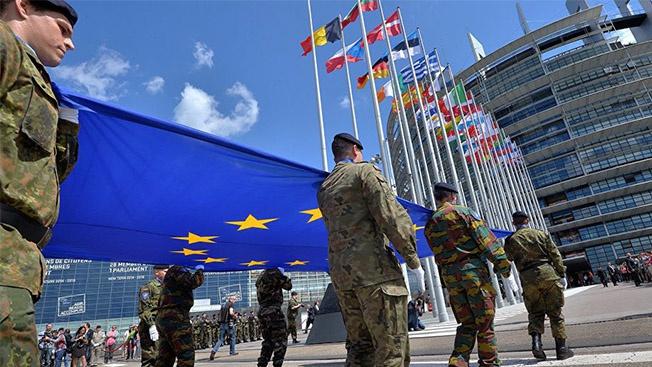 Почему «общеевропейскую армию» пока не видно на марше?