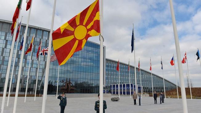 Вперёд на Брюссель, сыны древней Македонии!