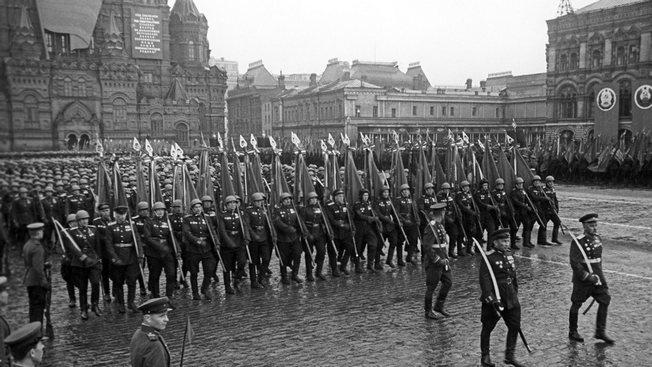 От Днепровских рубежей до Парада Победы