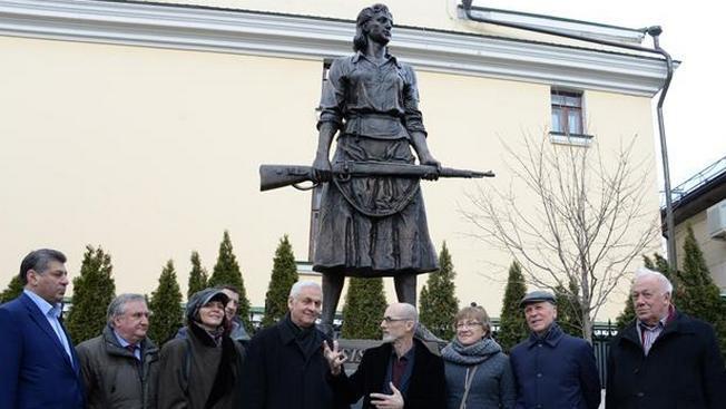 Русские женщины и во Франции били фашистов