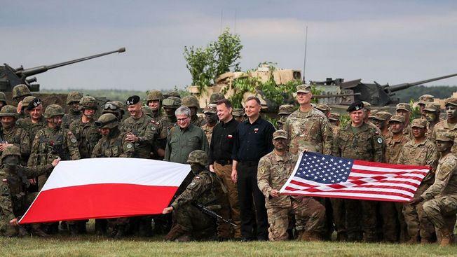 США наступают на Россию через Польшу