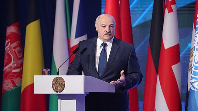 Белоруссия между Востоком и Западом: лучшее, быть может, впереди…