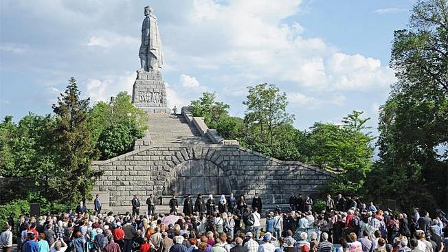Болгарский народ дает своим политикам уроки истории