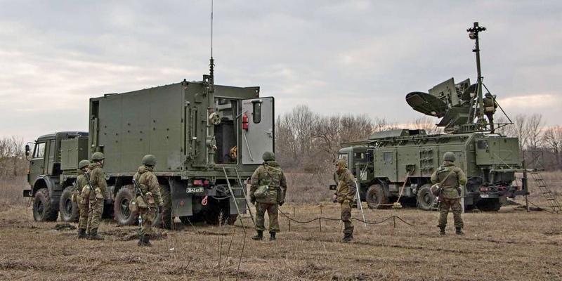 Армия России может любого врага послать на три буквы - РЭБ
