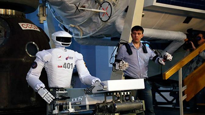 Российского андроида научили «выходить» в открытый космос