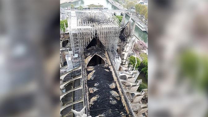 Нотр-Дам после разрушительного пожара: вид сверху