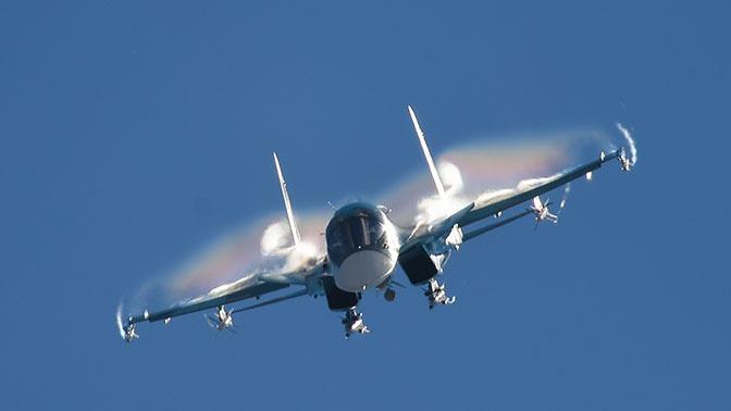 Блеск «Хибин»: бомбардировщики Су-34 ослепили ПВО «противника» в астраханском небе