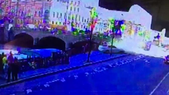 Опубликован момент наезда BMW на пешеходов в Петербурге