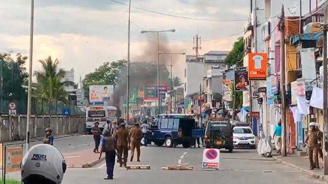 Число жертв взрывов на Шри-Ланке возросло до 310