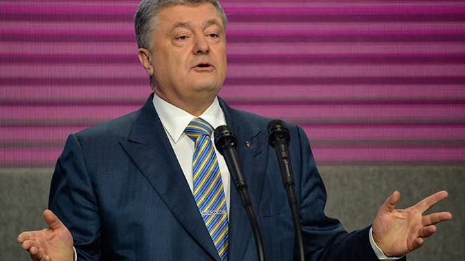 Судьи окружного суда Киева обвинили Порошенко в давлении и подали к нему иск
