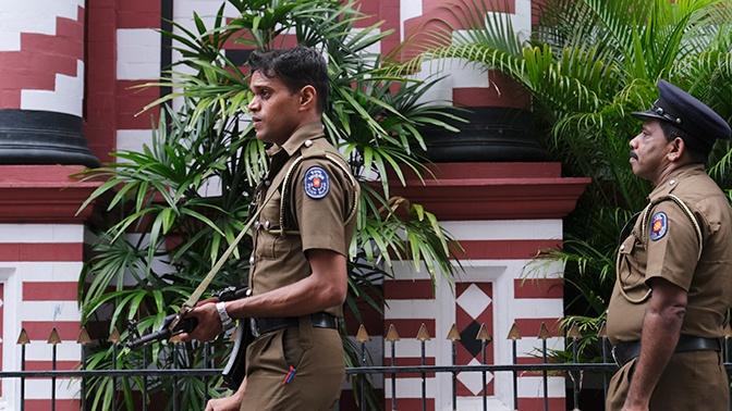 На месте новых взрывов на Шри-Ланке обнаружены тела 15 погибших