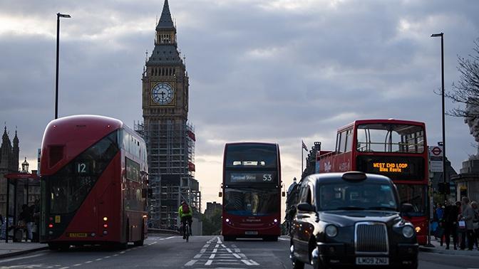 СМИ узнали, что Британия хочет усилить борьбу с «финансовым влиянием» РФ и Китая