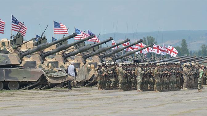 Президенту Грузии пригрозили импичментом за отказ от военной базы США