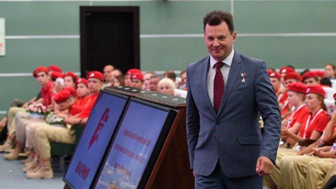Космонавт Романенко возглавит колонну «Юнармии» на параде Победы в Москве