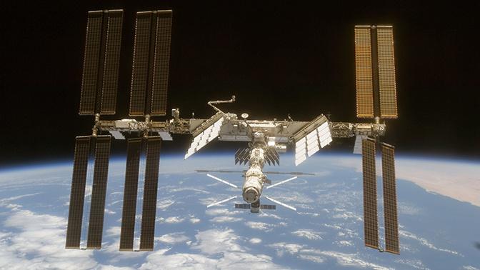 Космонавт объяснил резкий запах спирта на МКС