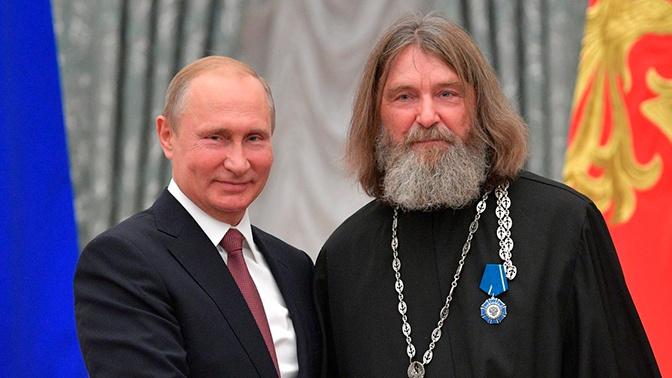 Путин поздравил Конюхова с завершением первого этапа кругосветного путешествия