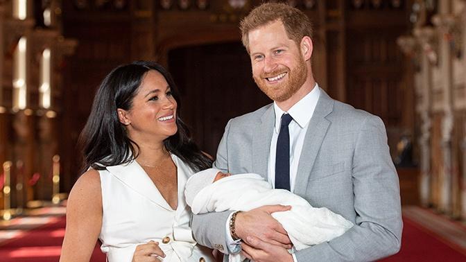 Британского ведущего уволили за сравнение сына принца Гарри с шимпанзе