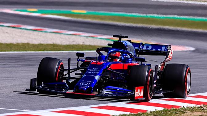 Российский гонщик «Формулы-1» Даниил Квят вошел в десятку на Гран-при Испании