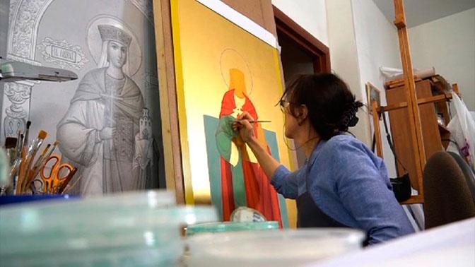 Мастера из Ярославля готовят иконостас для храма Вооруженных Сил России