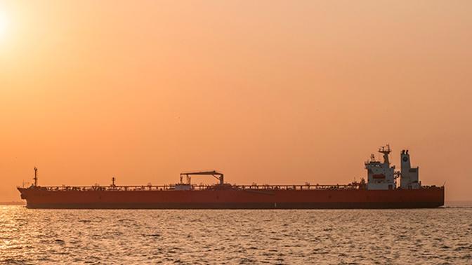 Двух россиян с задержанного в Египте танкера вышлют из страны