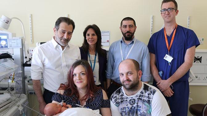 Британские врачи прооперировали ребенка до его рождения