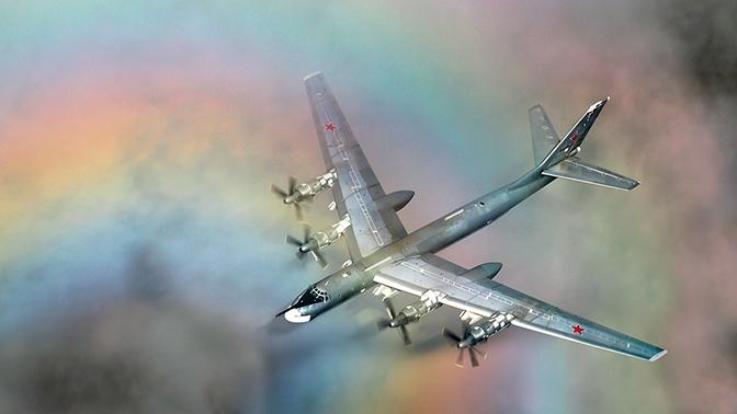 Российские Ту-95МС совершили 12-часовой полет над Чукотским, Беринговым и Охотским морями