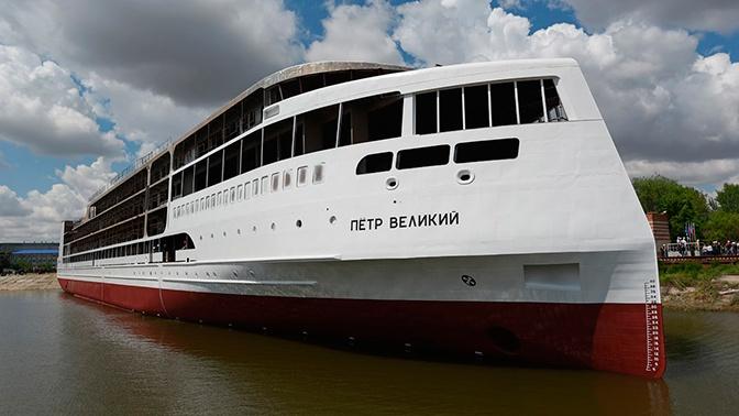 Первый российский круизный лайнер спущен на воду