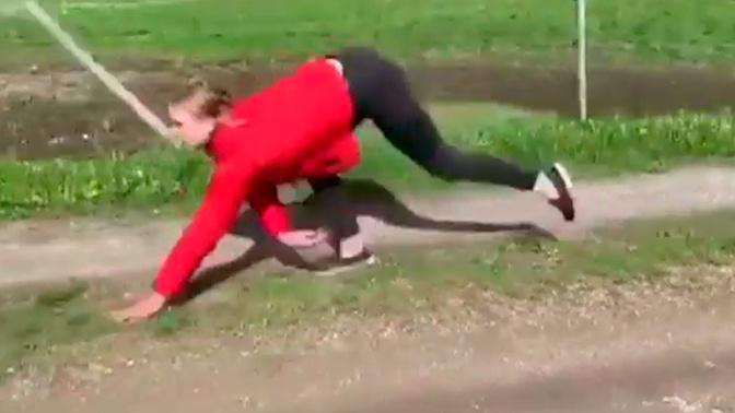 «Женщина-лошадь»: норвежка придумала необычный способ передвигаться