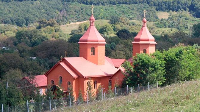 Неизвестные напали на прихожан храма канонической православной церкви на Украине