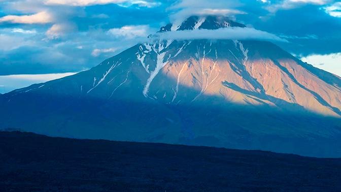Ученые опасаются начала извержения вулкана Большая Удина на Камчатке