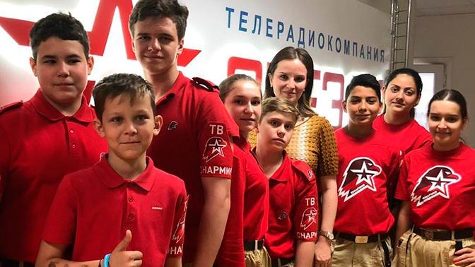Юнармейцы посетили с экскурсией студию телеканала «Звезда»