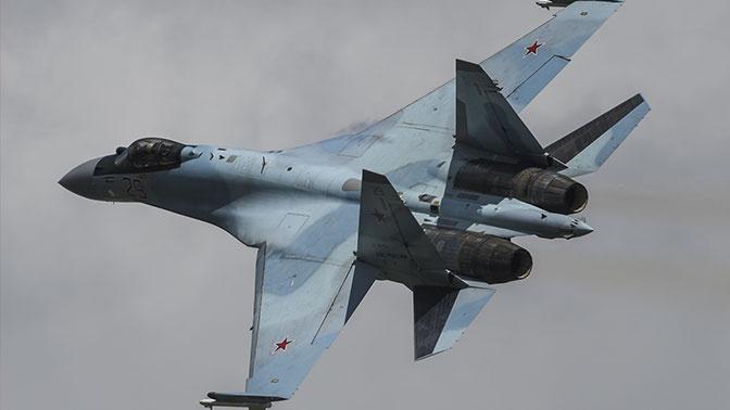 В ВКС России допустили пилотирование истребителей девушками-летчицами