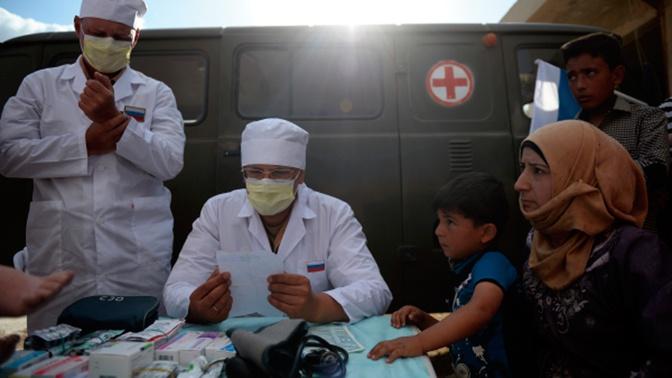Военные врачи РФ оказали помощь сирийцам в Дэйр-Эз-Зоре