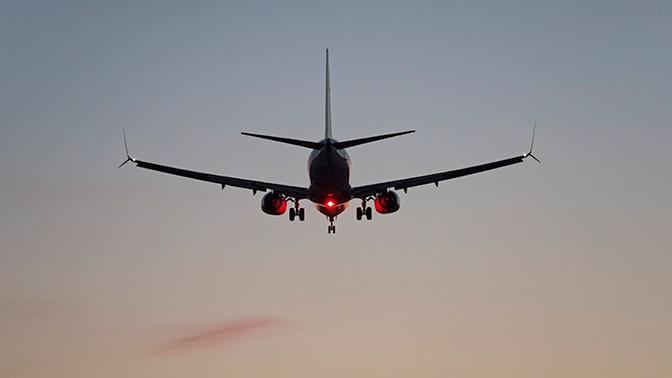 В Шереметьево экстренно сел Boeing 737 с неисправностью