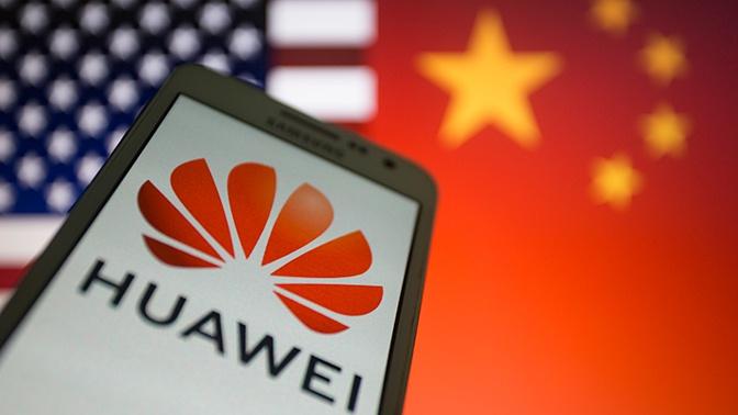 Основатель Huawei сравнил компанию с поврежденным самолетом