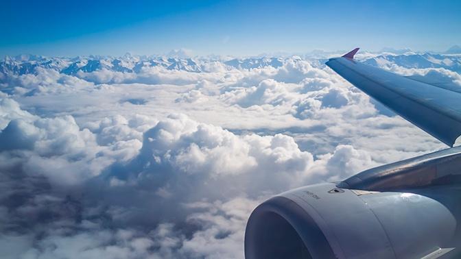 Летающие чемоданы: мощную турбулентность сняли изнутри салона лайнера
